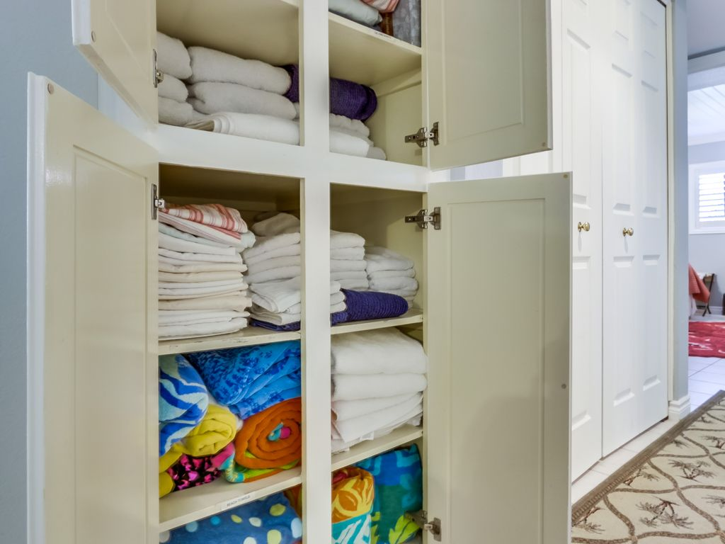 We provide an abundance of towels, sheets, beach towels for your 30 day vacation
