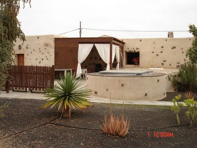 BIG HOUSE IN EL COTILLO , EXCLUSIVE ,JACUSI,  WIFI, BEACHES NEARLY