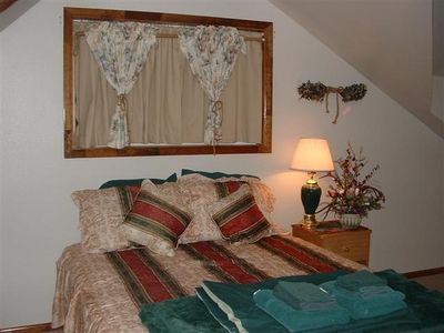 Brian Head chalet rental - Room 9 w/ King Bed, Queen Bed & Queen Sofa Sleeper (sleeps 6) with loft