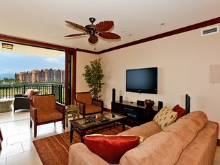 Ko Olina villa photo - Living Area w/ Sofa Sleeper, flat screen TV, mp3 dock, DVD