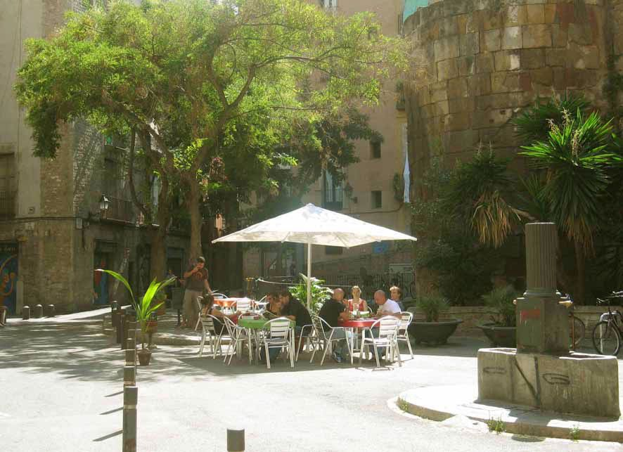 Great Location!, Gothic quarter, Private Terrace, close to the beach.