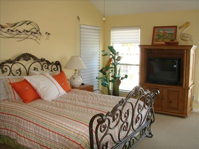 Spacious Master, with Queen sized bed, private bath, and private deck- FABULOUS