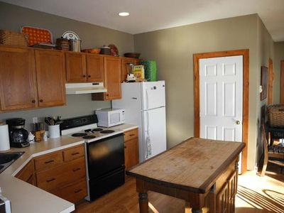 Plattsburgh lodge rental - Fully equipped modern kitchen