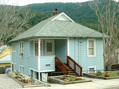 Dunsmuir Bungalow is the Top Floor of This Duplex