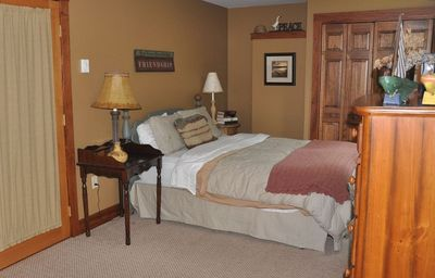 Main level - Queen bed with private bath - PERFECT for the inlaws!