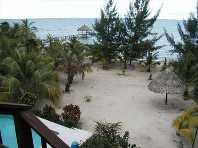 Placencia house rental - Backyard and beach