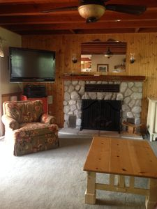 Lovely Alpine lakeview home with dock, ideal for family gathering