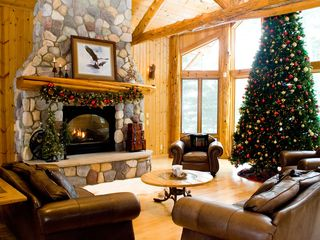 Longville cabin photo - Christmas at Blackwater Lodge
