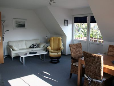 Beautiful 3-room apartment (74qm), only 5 min walk to the Baltic Sea or to the Bodden