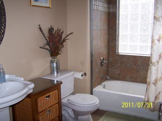 Pretty first floor bath - Williams house vacation rental photo