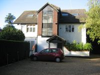 Self catering loft apartment in West Byfleet, Surrey, with off-street parking
