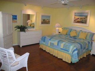 Key West townhome photo - Master Bedroom King Bed