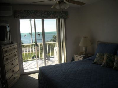 Wake up to the beauty of the Atlantic Ocean!