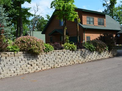 Luxurious Log Home on Northwood Hills Golf Course, Direct TV/WiFi