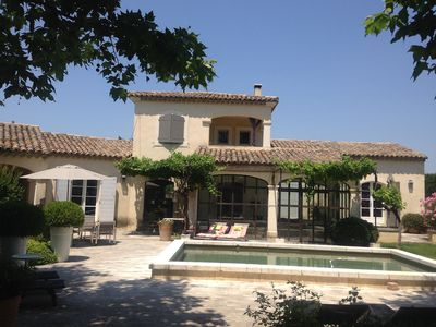Charming cottage in the countryside, new, air conditioned, pool, near St Rémy Alpilles