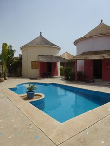 Saly: bed and breakfast or rent huts, with pool