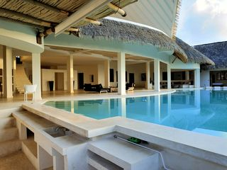 Las Terrenas villa photo - Poolbar with bbq