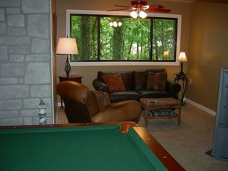 Kentucky Lake house photo - A cozy area to catch the big game or read a good book.
