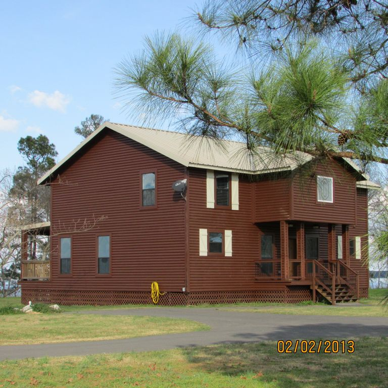 Milam lodge rental - Beautiful 3,000 s.f. custom Lodge with all of the conveniences of home..and more