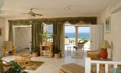 Living room - patio - experience a panorama of sea, sky and sand