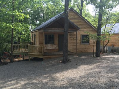 Fall Creek Cabins , newly constructed, one minute from Lake Norfork ,Mtn.Home