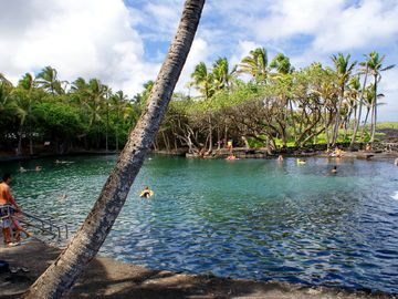 The geothermally heated warm ponds at Ahalanui Park, about 15 minute drive