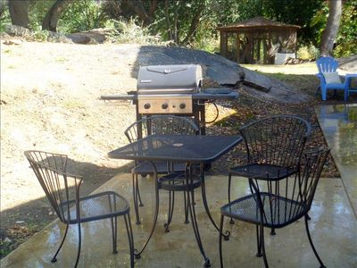 Cottage comes complete with BBQ Pit and tables/chairs for outdoor dining