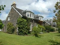 Delightful Farmhouse, Only Yards From The Sea At The Head Of Loch Craignish