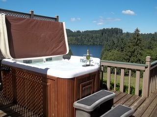 Mayfield Lake house photo - Hot Tub