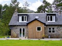FEAGOUR, family friendly, country holiday cottage in Laggan, Ref 3598