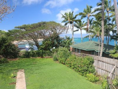 View of yard and Paia Bay from Bay View Suite