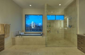 Master Bathroom - Double Shower Head & Jacuzzi Tub
