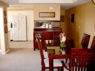 Pismo Beach condo photo - View from entry to the Dining Area