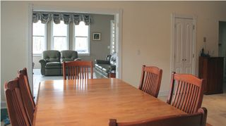 Hampton Bays house photo - kitchen table