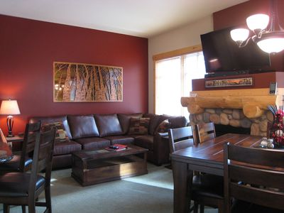 Living Room - 55' flat screen, BluRay player, Bluetooth Sound Bar