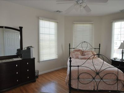 Cape May villa rental - second master suite with queen bed and ocean views and private bathroom