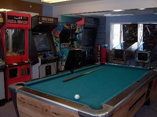 Lincoln townhome photo - Arcade