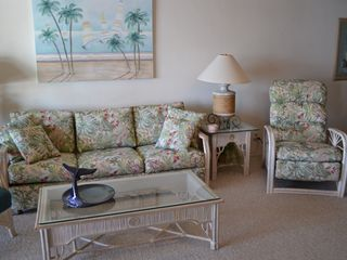 Maalaea condo photo - Living room showing newly reupholstered sofa and recliner.