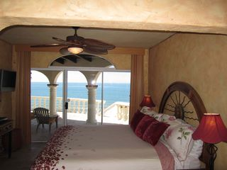 Puerto Penasco house photo - Master Bedroom with King Bed, Tv Walk in closet and attached office.