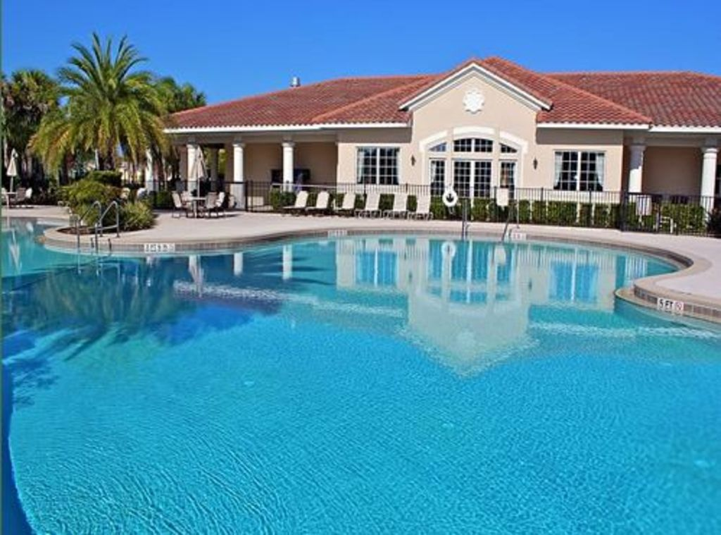 Townhome located Minutes from Disney World