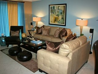 Islander Destin condo photo - Beautiful Italian Leather Contemporary Living Rm