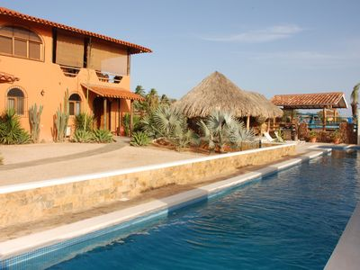 Bed and Breakfast, Close to El Yaque Beach, Quiet setting, Pool