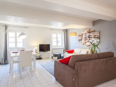 A spacious 2 bed apart. in Vieux Nice within walking distance of the beach