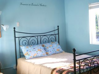 Cat Island house photo - Pirates Cove Bedroom with Queen bed and convertible twin