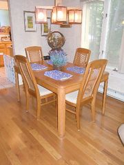 Poconos Pines - Pinecrest Lake townhome photo - dining room w/leaf to expand table