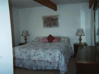 Mount Snow house photo - #2 Bedroom with King Bed and Bathroom