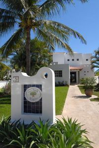 Entrance - Casa Parota, 1/4 acre grounds