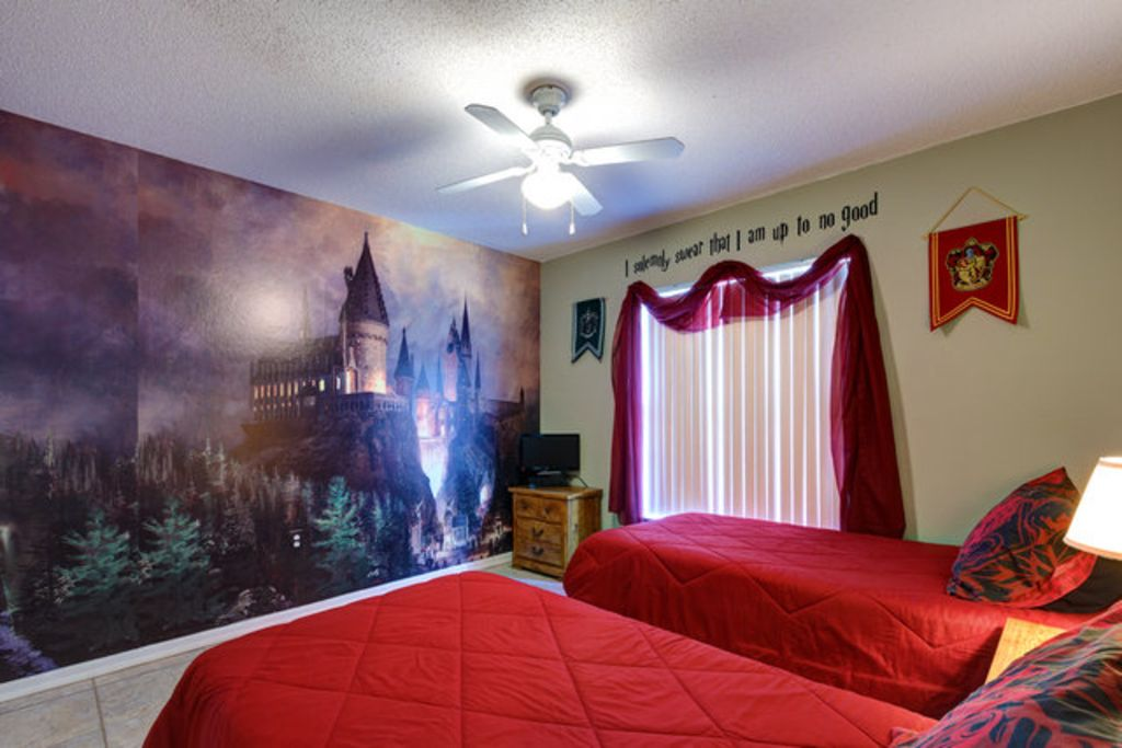 central to theme parks and golfing set homeaway thousand oaks