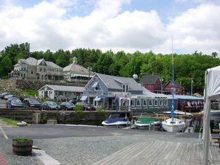 Sunapee house photo - Restaurant / Night Entertainment Spot in Harbor