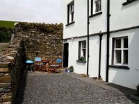 Secluded accommodation with easy access to village pubs and shops